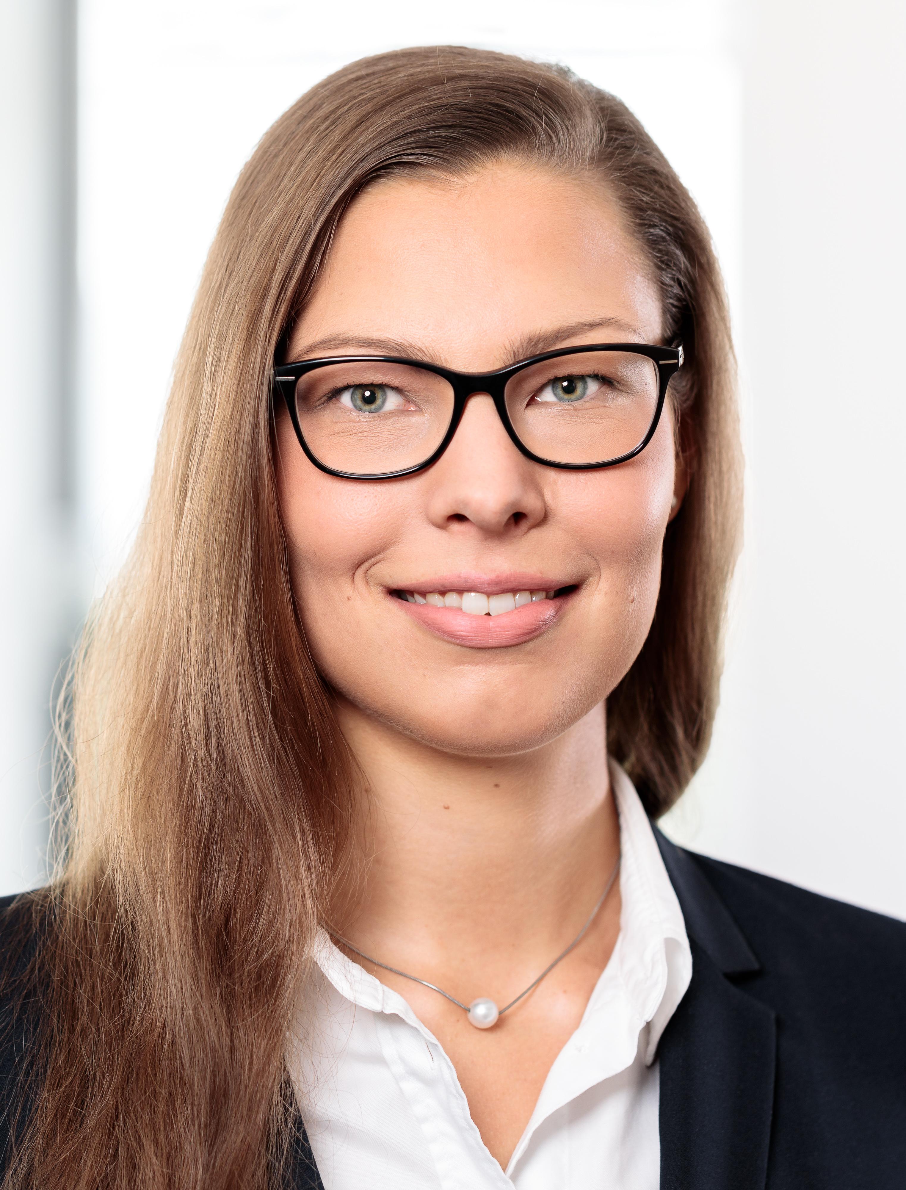 Stefanie-Weinberg-Rechtsanwaeltin-Gesellschaftsrecht-Umweltrecht-Verfassungsrecht-Steuerrecht-Kommunalberatung-Leipzig